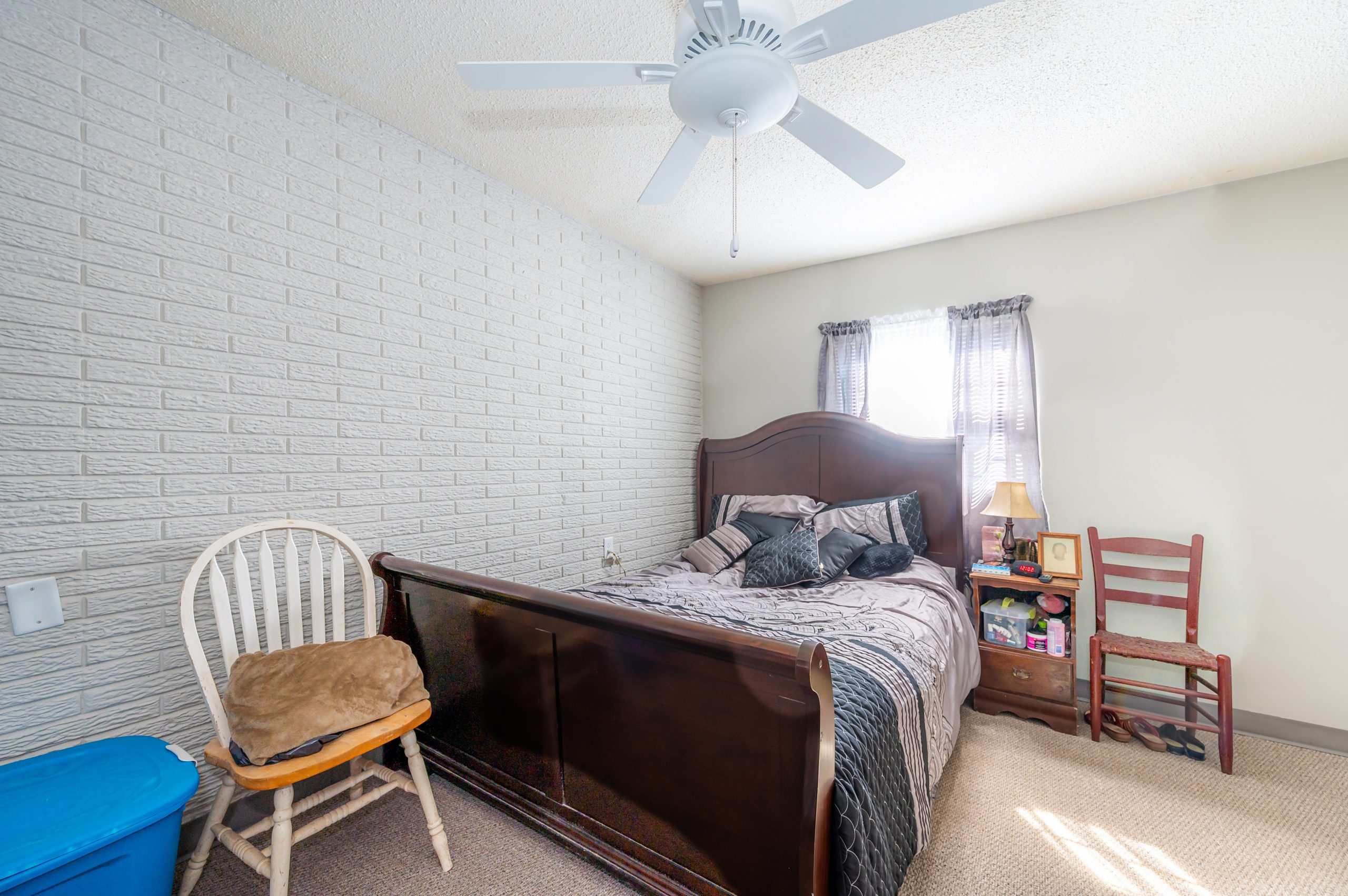 A bedroom in Gregg Court Apartments